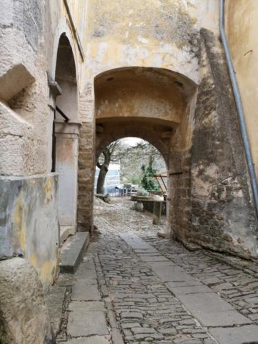 Istra, Umag, Buščina, Grobnik